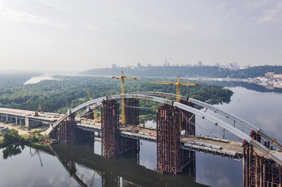 Башенный кран строительство моста